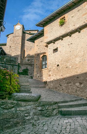 Route des Vins, Ternand, village du Beaujolais des Pierres Dorées
