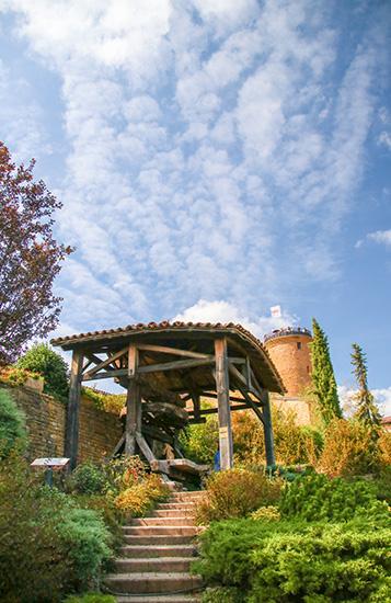 Oingt, Plus Beaux Village de France, Beaujolais des Pierres Dorées.